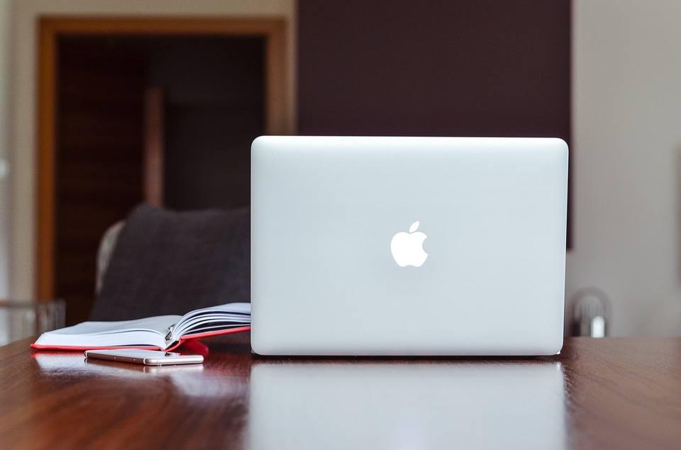 Instrukcja Obsługi Apple Macbook Air